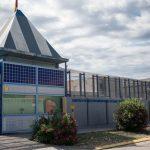 Arriben 40 migrants d'Archidona al CIE de la Zona Franca enmig de la tempesta judicial pel seu tancament