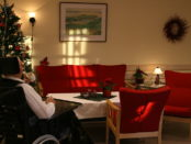 Interior d'una residència de gent gran foto Thomas Bjørkan CC BY-SA 3.