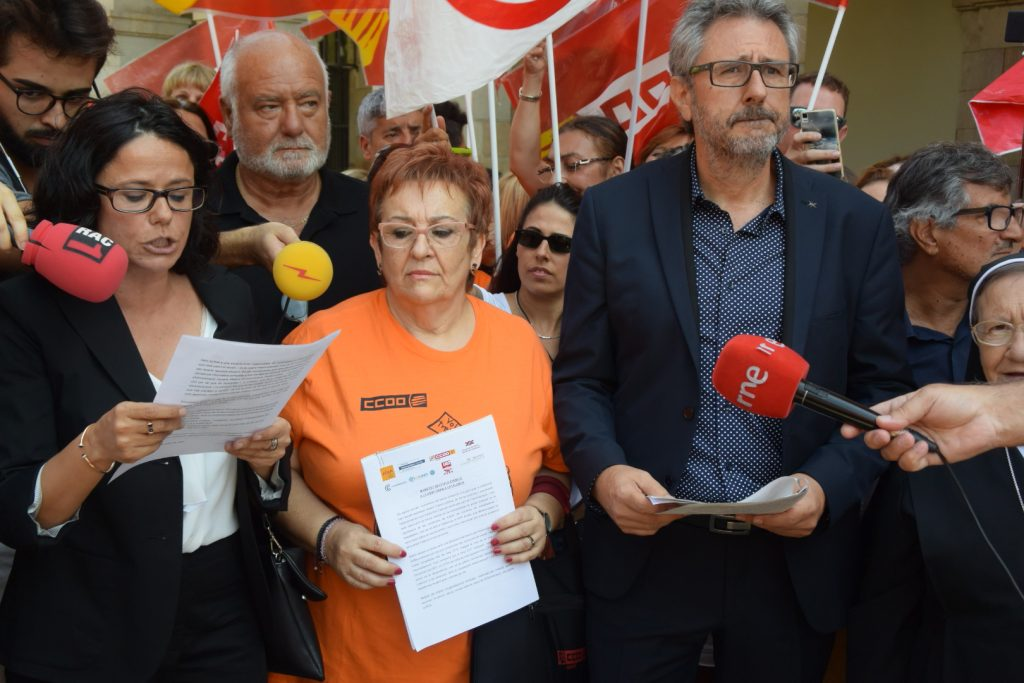Concentración de empresas y sindicatos reivindicando más apoyo púb lico a la pediatria Foto: Tomeu Ferrer