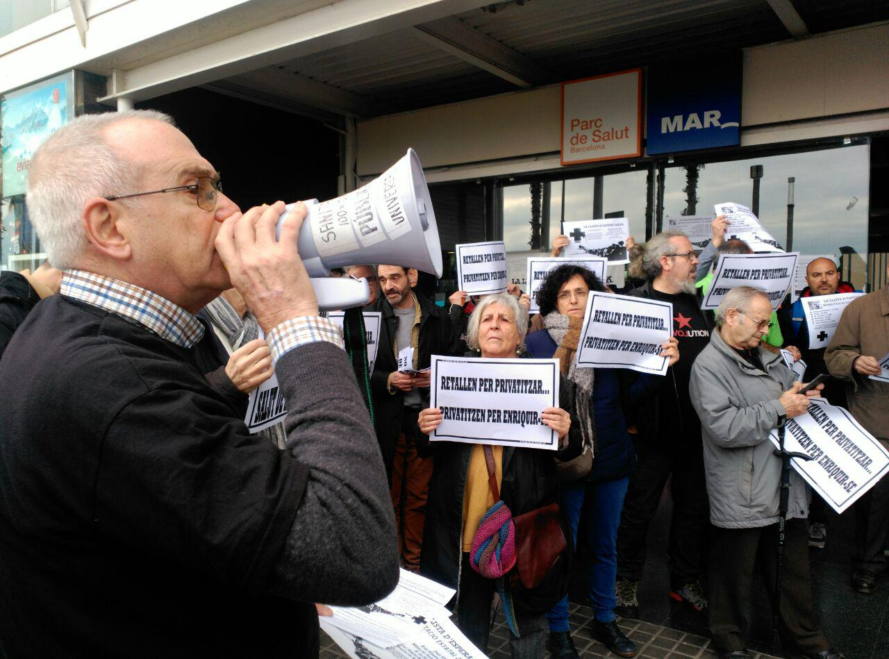 """Els centres sanitaris es mobilitzen contra unes llistes d'espera """"vergonyoses"""""""