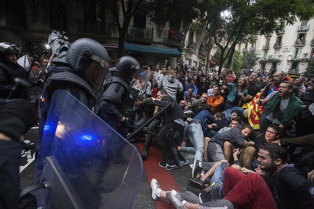 Resultado de imagen de 1 de octubre de 2017 barcelona