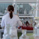 """Radiografía de la mujer y la niña en la ciencia: """"No tener referentes femeninos en los libros de texto significa no existir"""""""