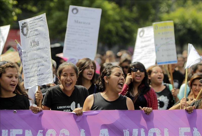 Manifestació de dones del Salvador