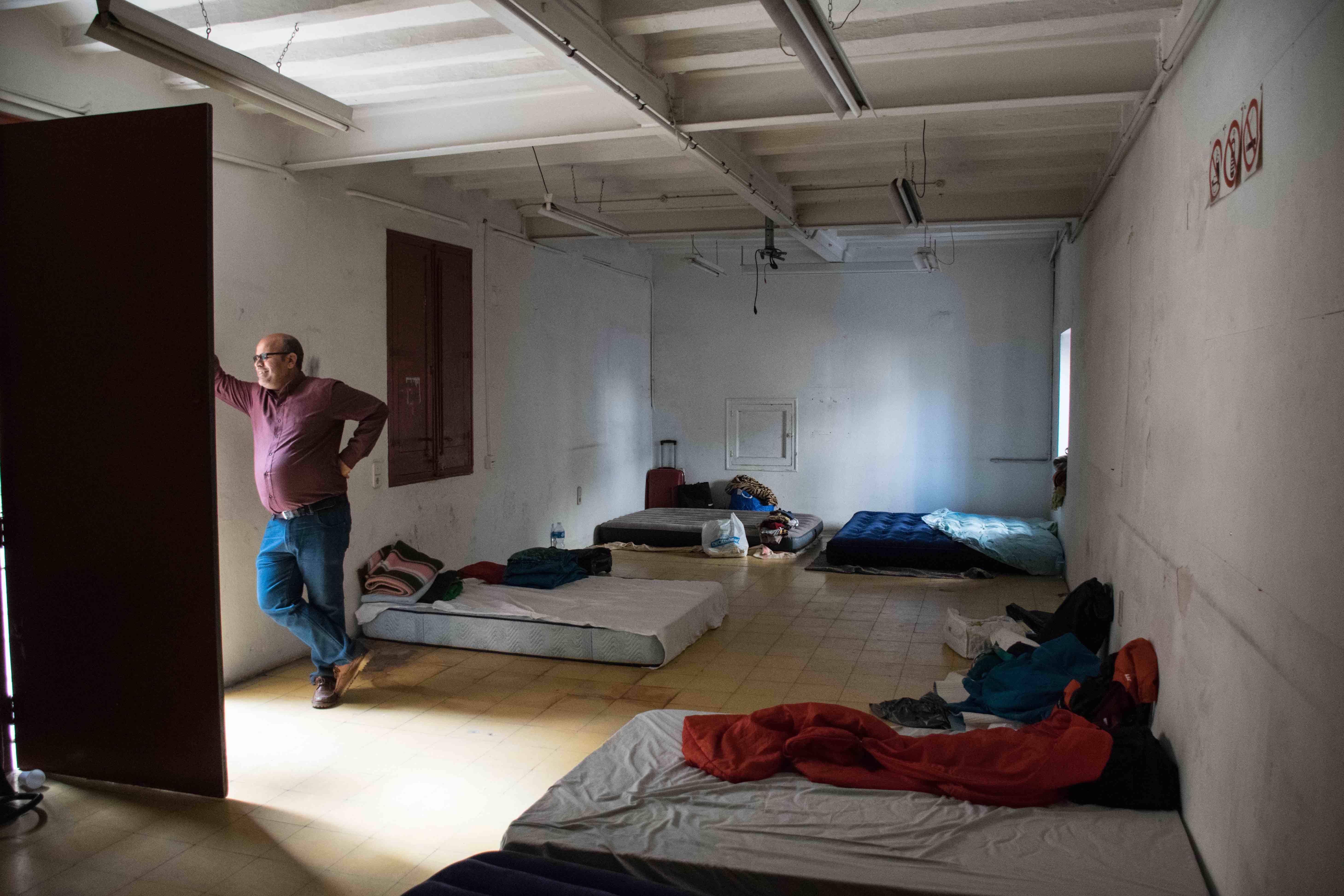 """Vuelven los encierros de migrantes en Barcelona para reivindicar sus derechos: """"Estamos peor que en 2001"""""""