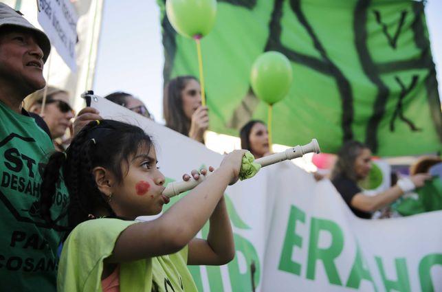 """L'emergència del lloguer a Barcelona empeny els inquilins al carrer: """"Estem farts del nomadisme a què se'ns condemna en aquesta ciutat"""""""