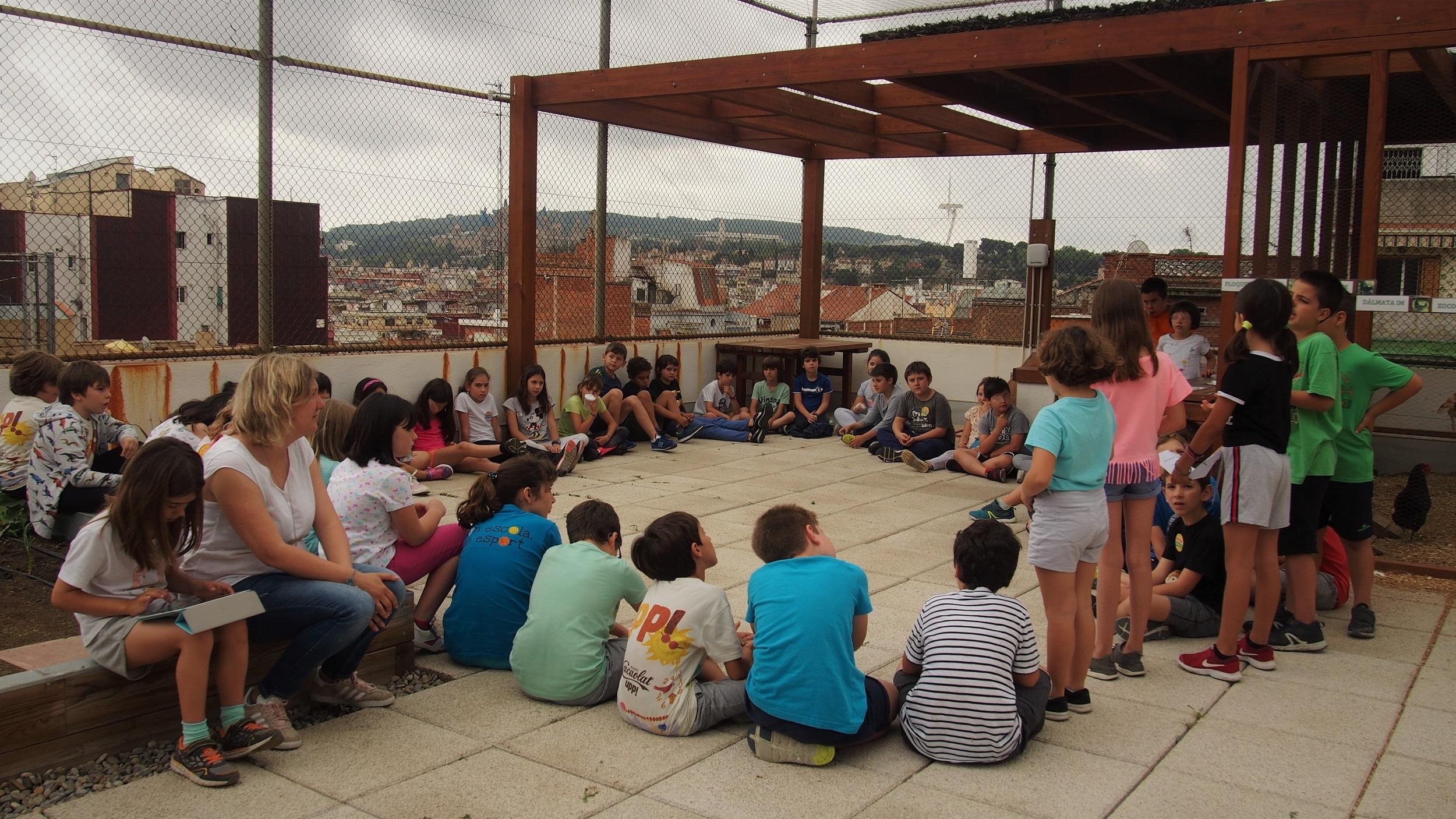 Assemblea d'alumnes de la cooperativa VerduraIM de l'escola Institució Montserrat | SANDRA VICENTE