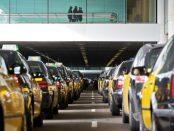 Els taxis de Barcelona han fet diverses mobilitzacions contra Uber i Cabify foto: eldiario.es