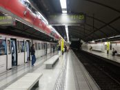 Estació de Glòries a la línia 1 de metro