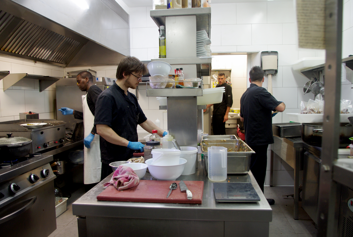 Cuina Cafè del Centre, una de les entitats associades foto: Xarec