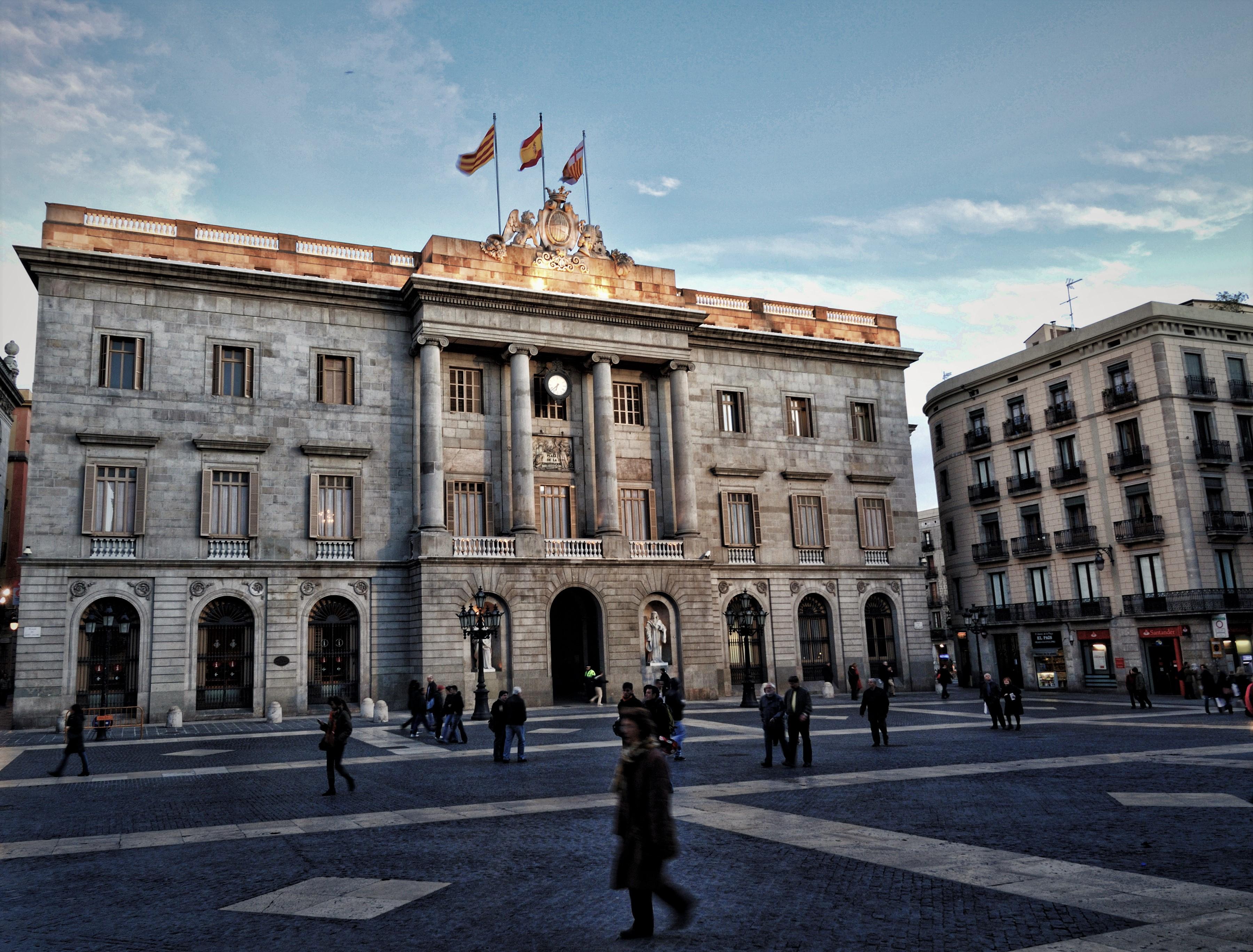 Barcelona ya es el escenario de tres grandes batallas políticas