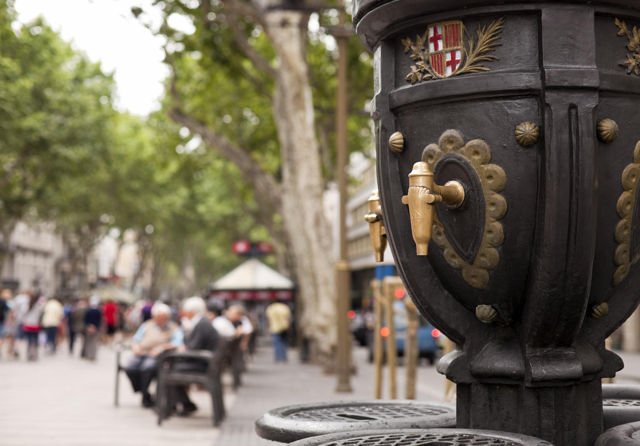 L'aigua a Barcelona: d'una gestió irregular d'Agbar a una possible municipalització