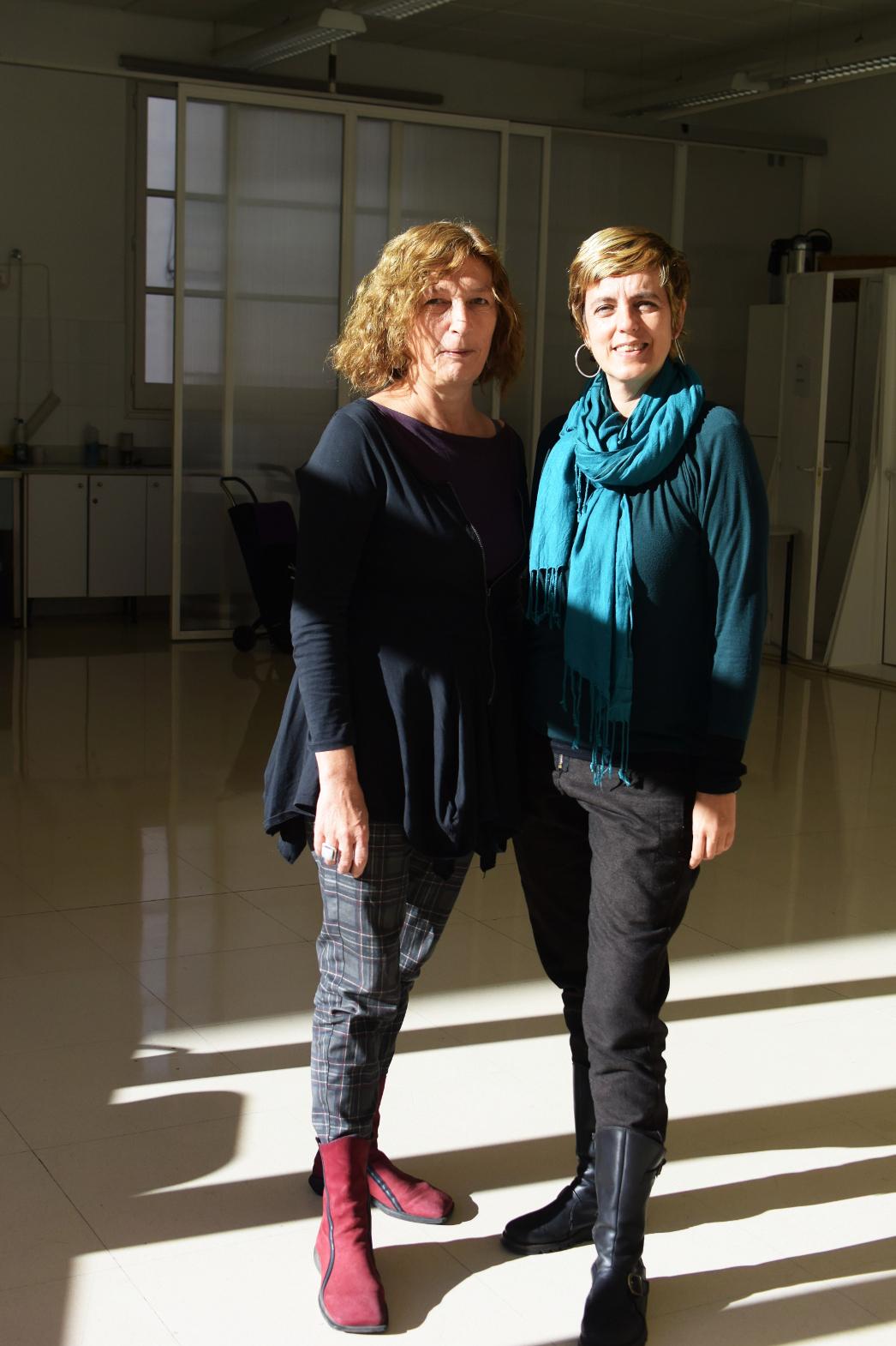 Isabel Muntané i Júlia vega al local on tenen la seu de la cooperativa foto: Tomeu Ferrer