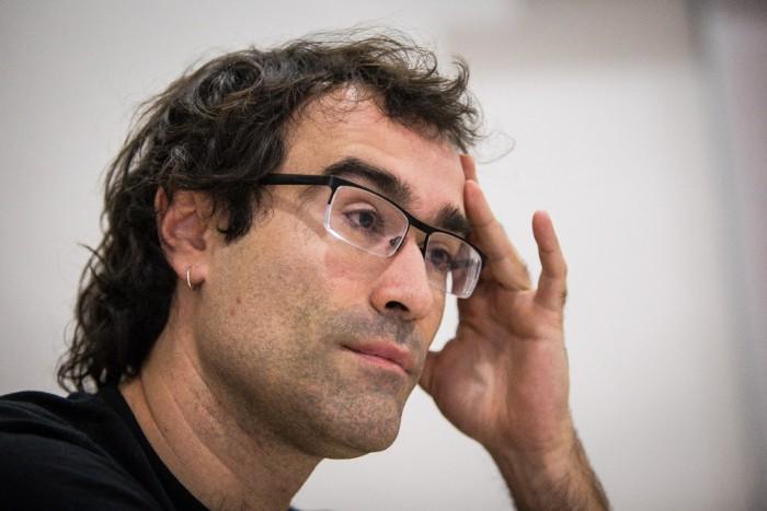 """Ivan Miró: """"És possible organitzar en cooperatives els autònoms del taxi amenaçats pel capitalisme que representa Uber?"""""""