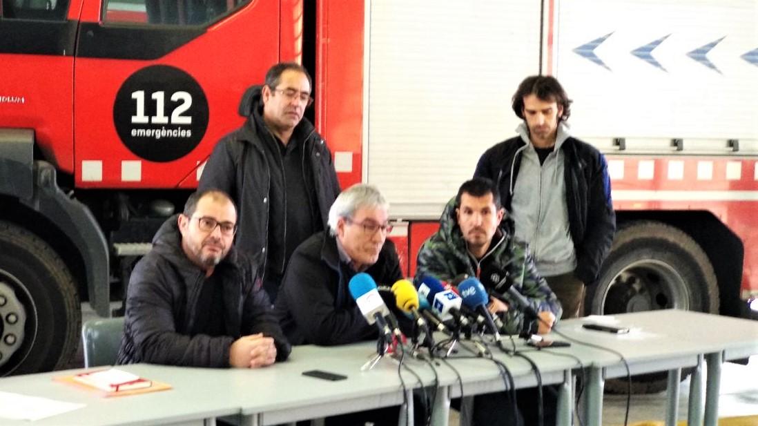 """Els bombers parlen de l'incendi de Sant Roc: """"La precarietat mata"""""""