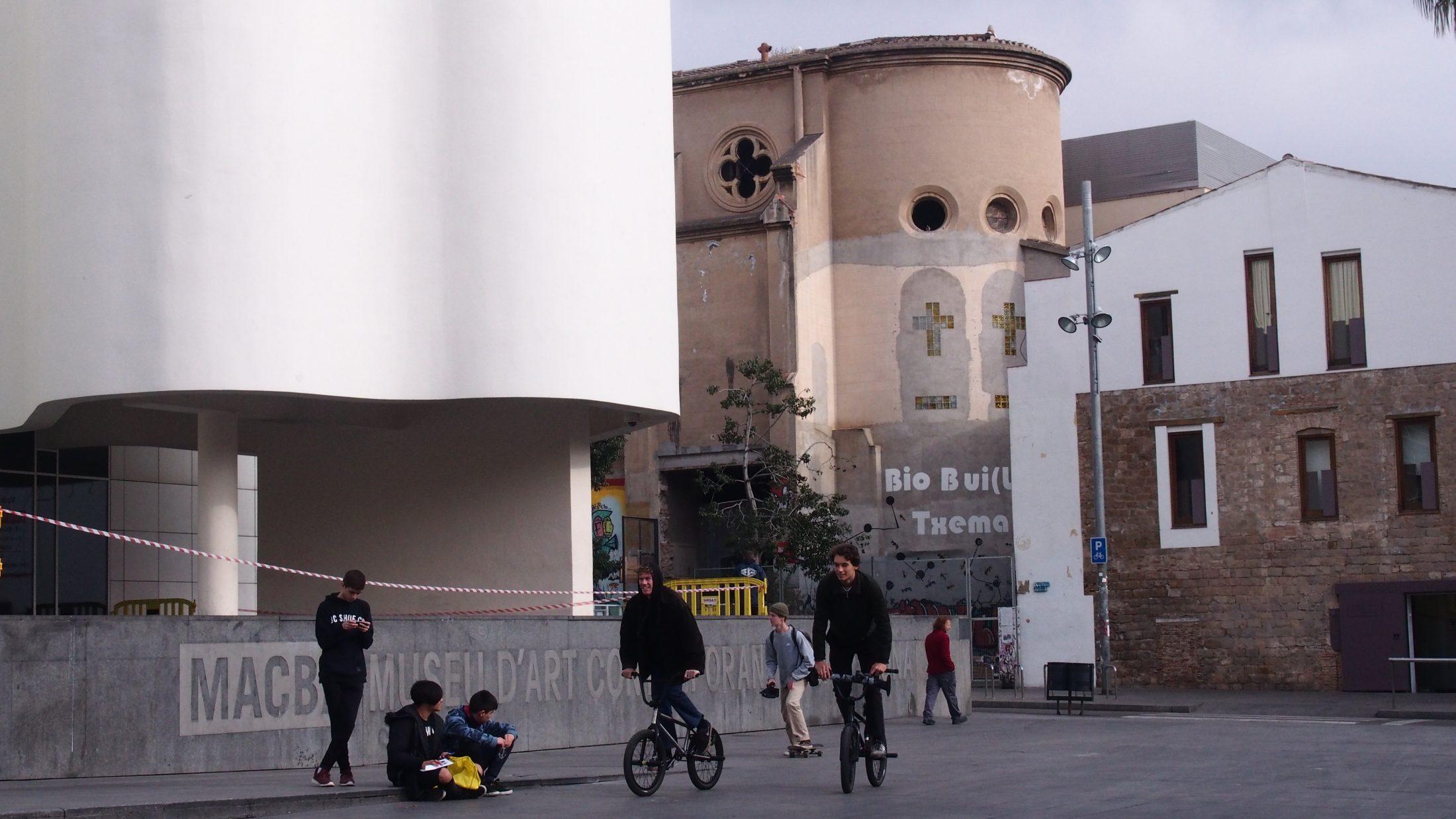 Batalla contra la cultura o el modelo de ciudad? El CAP Raval Nord denuncia 25 años sin un acceso digno a la salud