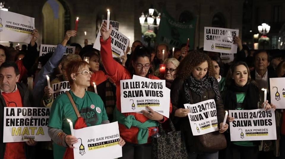 El derecho universal a los suministros, el gran olvidado en los programas electorales en Barcelona