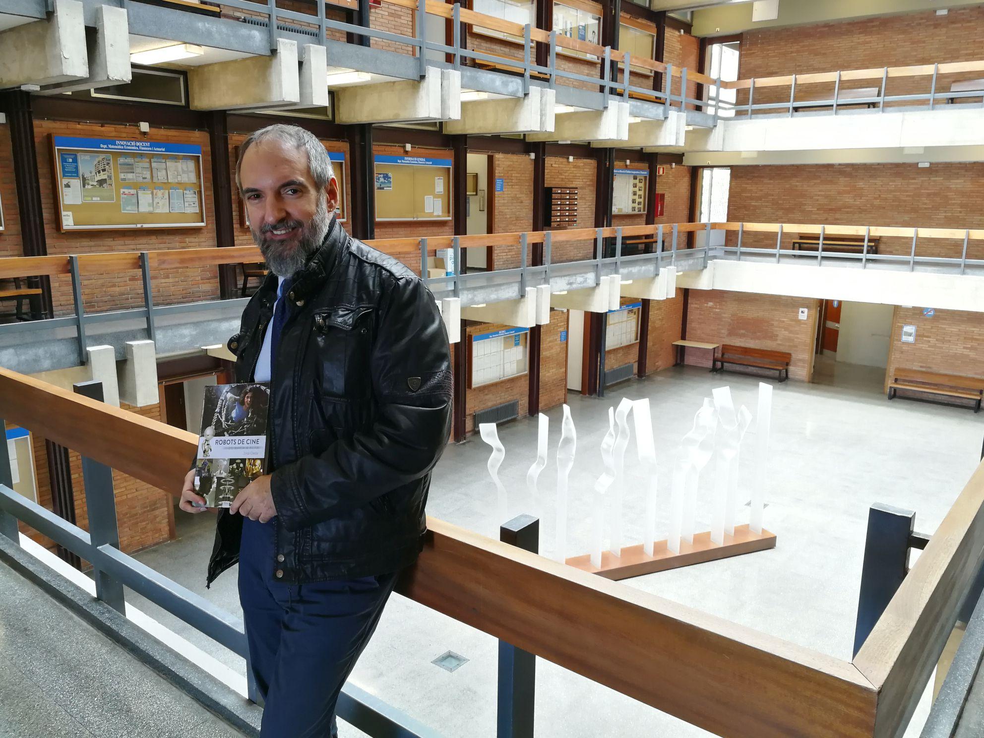 """Jordi Ojeda: """"Estem envoltats de robòtica i no ens n'adonem"""""""