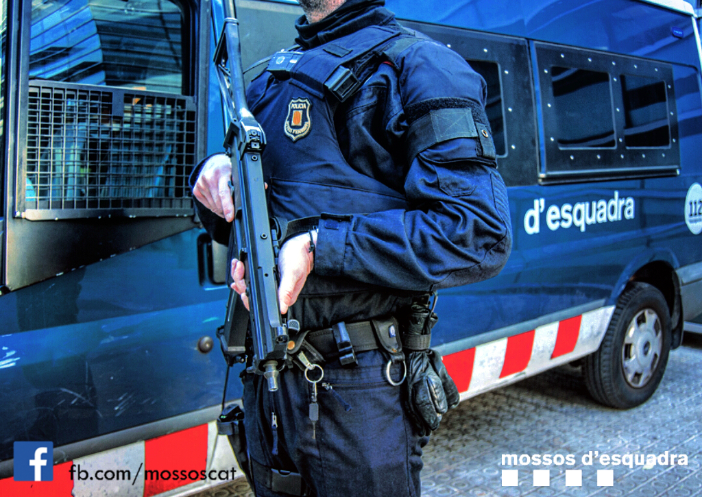 Cuatro años de nivel 4 de alerta antiterrorista, cuatro años normalizando las armas en la calle